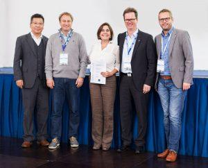 Dr. Alexandra Benavente-Pérez receives the ZEISS Young Investigator Award
